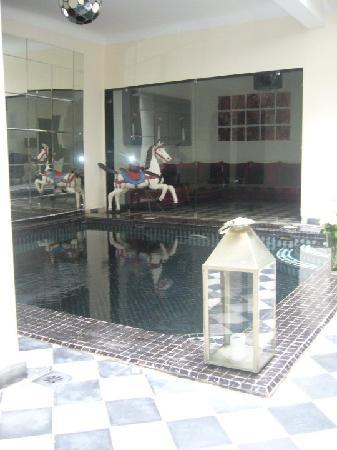 Riad Elizabeth: the plunge pool