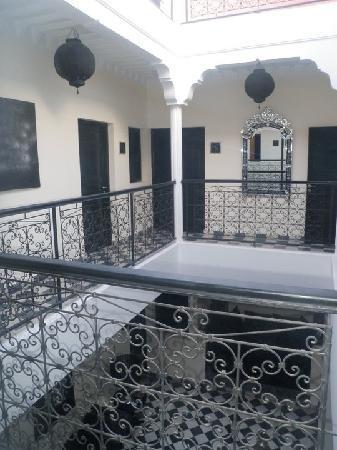 Riad Elizabeth: balcony that overlooks the pool