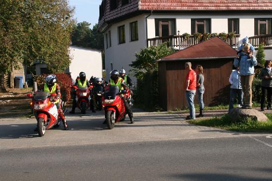 Waldhotel Wandlitz: Motorradtreffen CBR-1000F