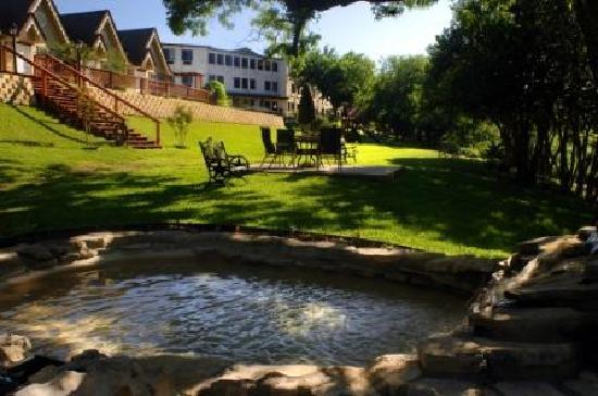 Inn on Barons Creek: 7 acres the of Hill Country