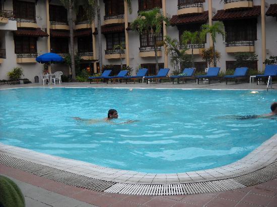 Borobudur temple picture of prime plaza hotel jogjakarta depok tripadvisor for Jogja plaza hotel swimming pool