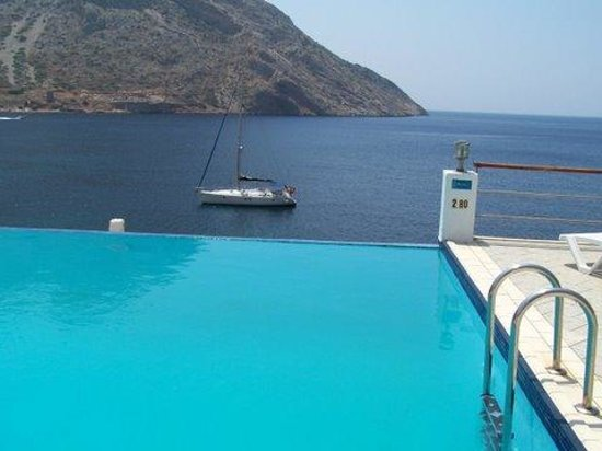 Delfini Hotel Sifnos: The pool I still dream about
