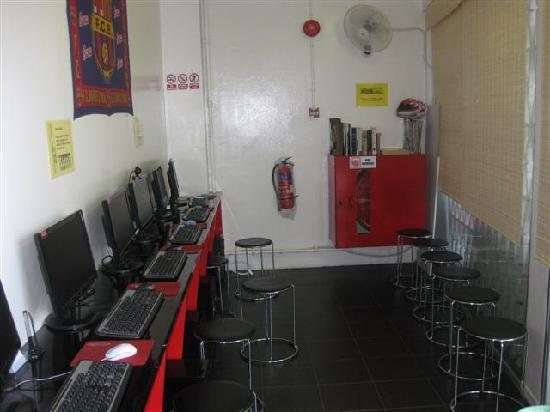 ABC Hostel: internet area. never overcrowd and fast connection.