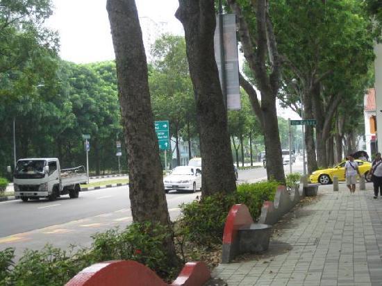 เอบีซี โฮสเทล: main street, victoria street where you can walk towards Bugis Junction