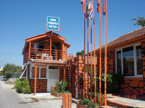 Side Temple Hotel: Das Hotel von aussen