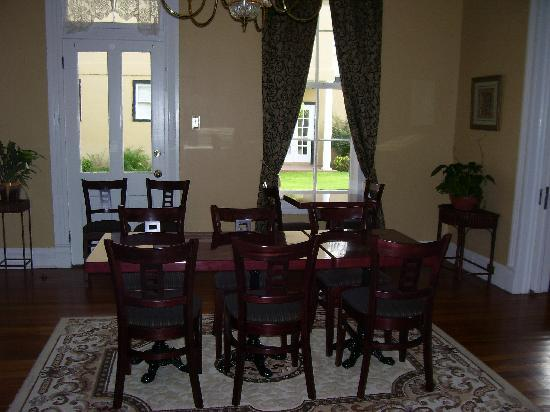 King William Manor: Diniing Room
