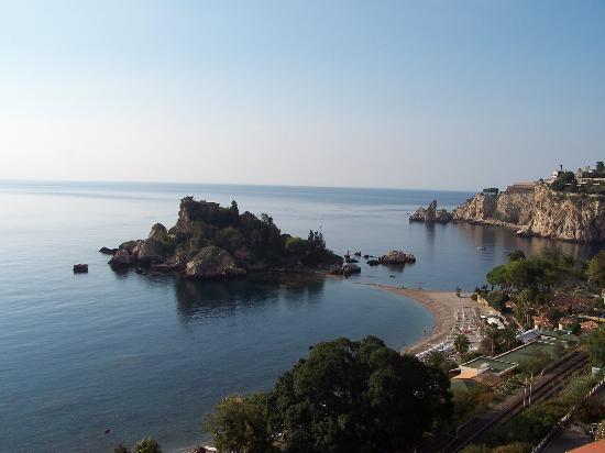 Mendolia Beach Hotel: Isola Bella vista dal balcone della camera