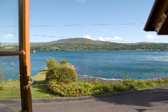 Sea Lodge B & B: This is the view directly fron the en suit window!