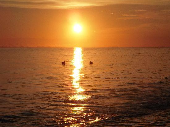 Outrigger Beach Resort: einer der tollen Sonnenuntergänge