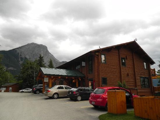Overlander Mountain Lodge: Esterno reception