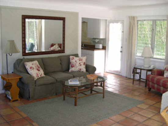 Cannons By The Sea Cottages : living area