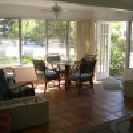 Cannons By The Sea Cottages : sun room