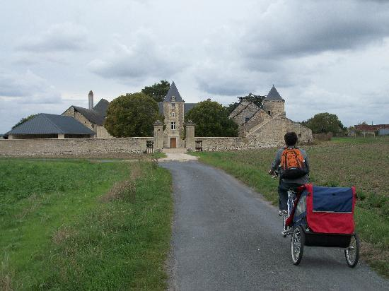 Chinon, France : biking back to the inn