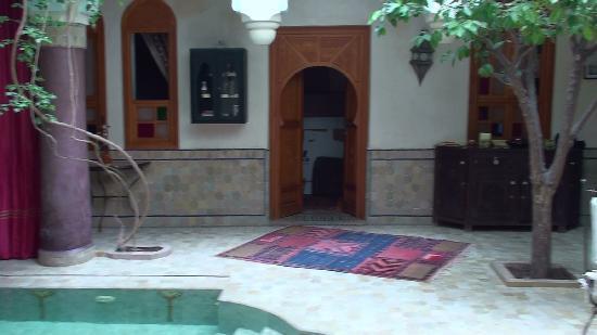 Riad Kenzo : inside the riad
