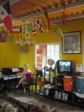 Hostel Portobelo : Living Area