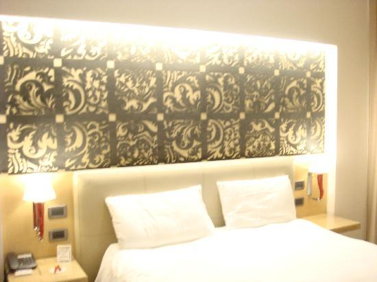 Antony Palace Hotel: our nice double room