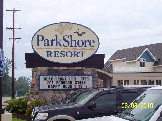 Parkshore Resort: about the only nice thing about this hotel was its sign.