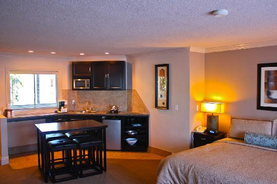 Laguna Riviera Beach Resort: Room 412