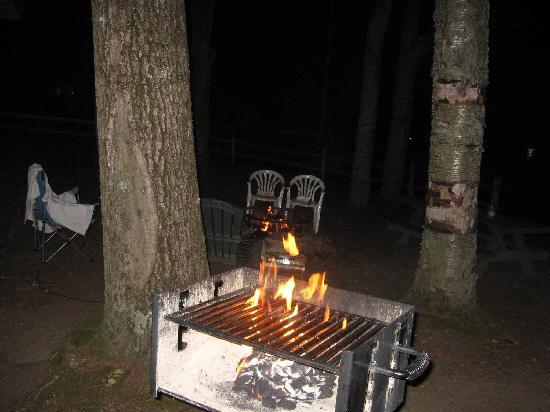 Adirondack Diamond Point Lodge: Fire/Grill