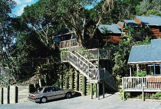 Bay Cabinz Motel: Elevated Eco Complex