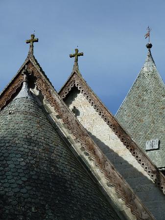 Hove Stone Church: Geschnitzte Dachabschlüsse