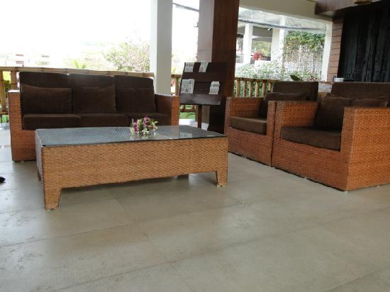 IORA - The Retreat,Kaziranga: Hotel Lobby & Reception