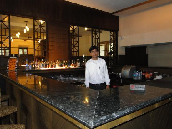 IORA - The Retreat,Kaziranga: Hotel Bar
