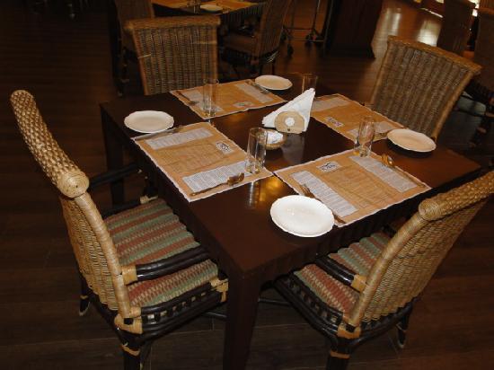 IORA - The Retreat,Kaziranga: Hotel Resturant