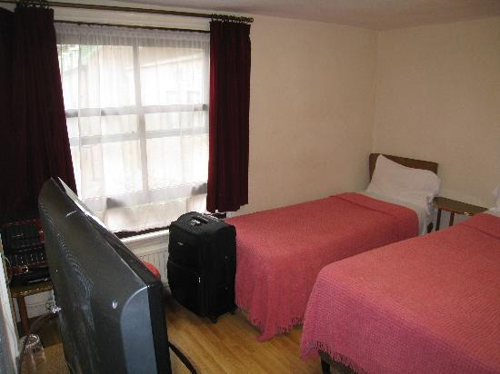 Russell House Hotel : Triple room