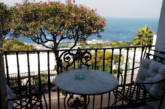 Hotel Capri : la vista dalla camera