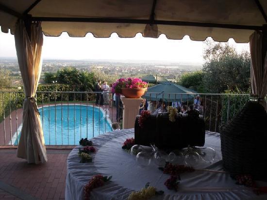 Collina toscana resort monsummano terme italien hotel - Piscina monsummano terme ...