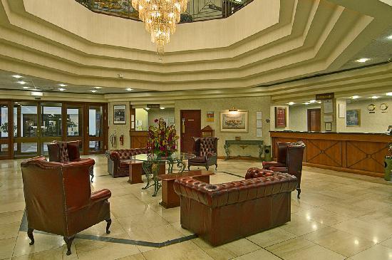 Copthorne Hotel Effingham Gatwick: Hotel Lobby