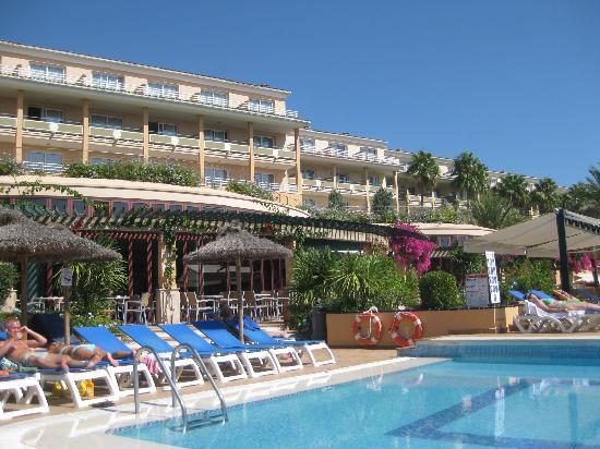 Insotel Cala Mandia Resort & Spa: bar e piscina