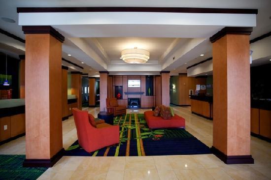 فيرفيلد إن آند سويتس باي ماريوت شاتانوجا: Hotel Lobby Area
