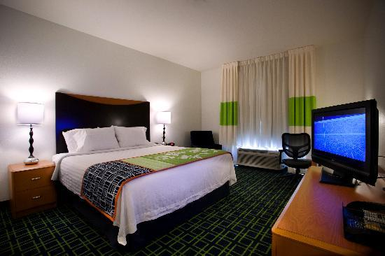 Fairfield Inn & Suites Chattanooga I-24/Lookout Mountain: Standard King Room