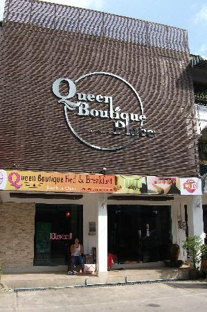 Queen Boutique Hotel: Front of hotel