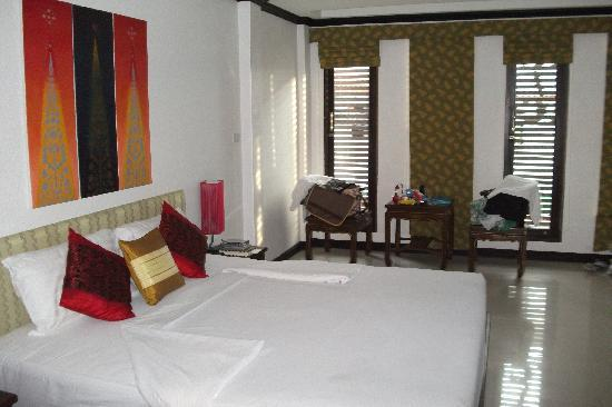 Queen Boutique Place: Room view 2