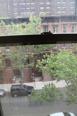 Chic&Budget New York: View out
