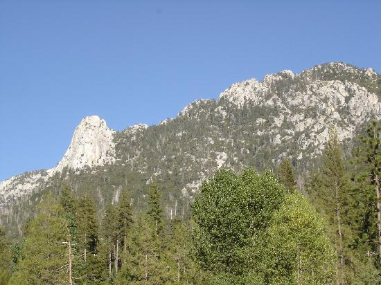 ‪‪Idyllwild‬, كاليفورنيا: Lily Rock and Tahquitz peak from Idyllwild‬