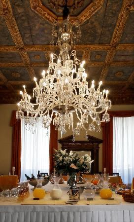 Palazzo Magnani Feroni: Breakfast Murano Hall