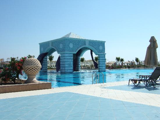 Hilton Dalaman Sarigerme Resort & Spa: Pool