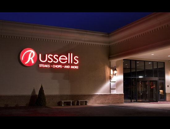 Williamsville, Nova York: Home of Russell's Steaks, Chops and More
