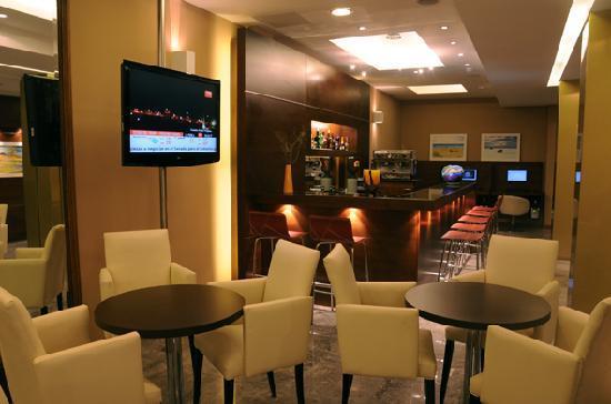 Hotel 15 de Mayo: cafe