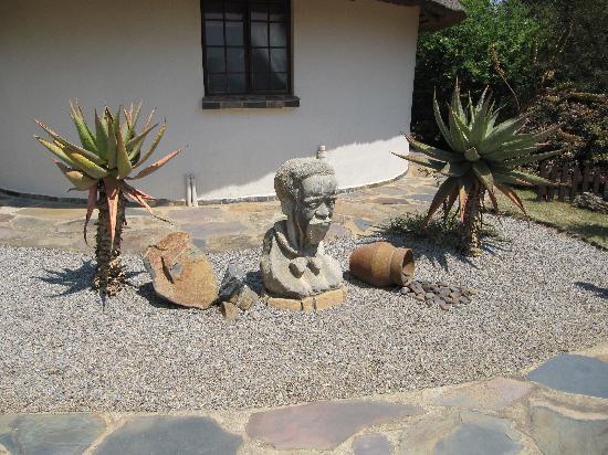 Aquanzi Lodge: Figuren auf der Anlage