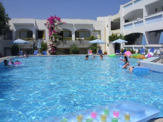 Apollon Hotel Apartments: the apollon pool