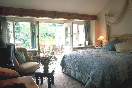 Pen-y-Dyffryn Country Hotel: A Coach House Bedroom