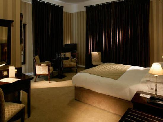 Lismore House Hotel: Luxurious Bedrooms