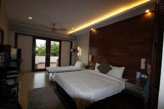 River 108 Boutique Hotel: Notre chambre avec balcon