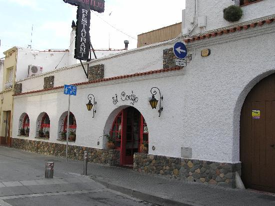 El Cortijo: Street view