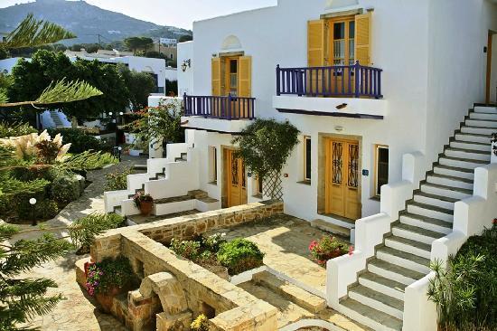 Nefeli Hotels: traditional bungalows